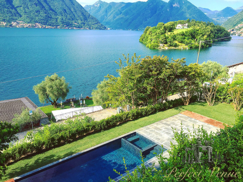 House with pool in Lake Como