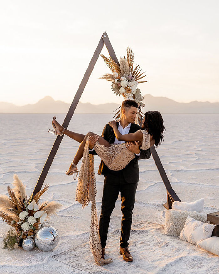 A Celebration of 5 Years of Marriage at Bonneville Salt Flats in Utah - Perfect Venue