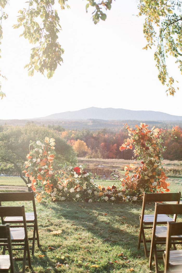 Intimate Wedding Shoot Amidst an Astonishing Autumnal Backdrop - Perfect Venue
