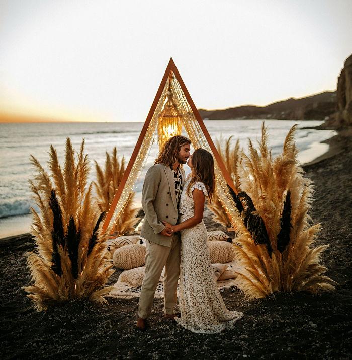 Boho Beach Wedding with a Dress Made from Pampas Grass - Perfect Venue