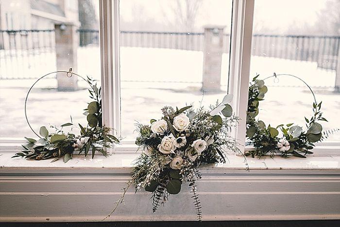 Winter Wonderland Wedding Shoot in Ontario, Canada - Perfect Venue