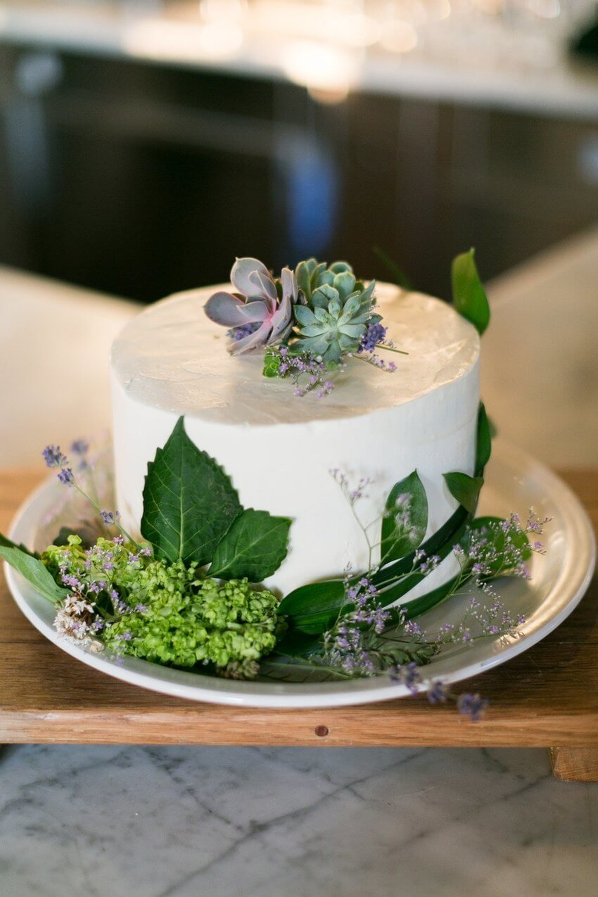 wedding cake trends 2019